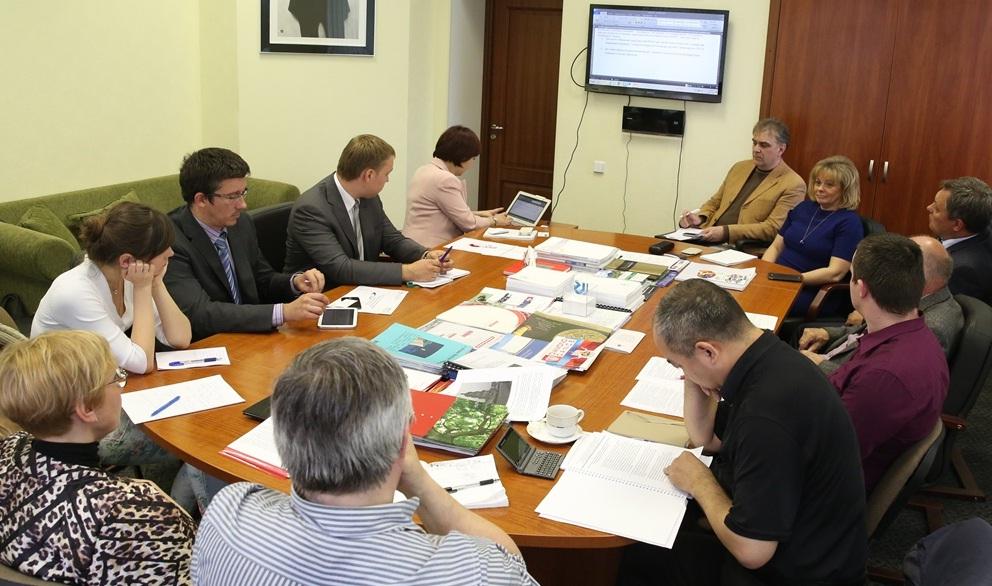 На базе «Делового собрания России» прошло заседание Рабочей группы по сертификации и стандартизации.