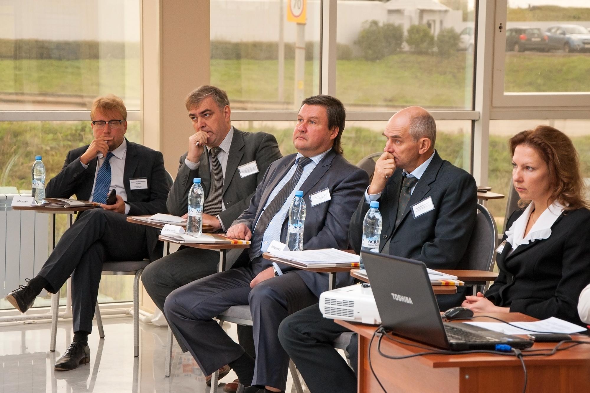 В МФЦ-112 прошел круглый стол на тему повышения конкурентоспособности предприятий пожарно-спасательной отрасли